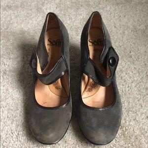Mary Jane heels.